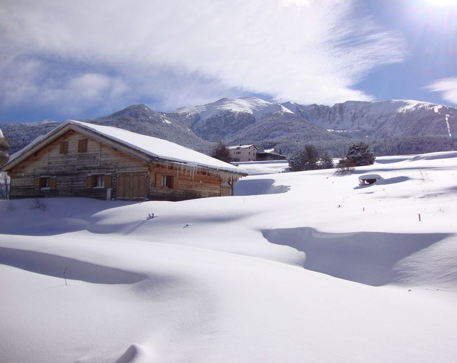 location ski eyne